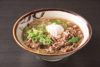 フロア内にある「千とせ べっかん」では、大阪名物の肉吸い800円を味わえる。芸人さんの注文から生まれたという名物メニューをどうぞ。